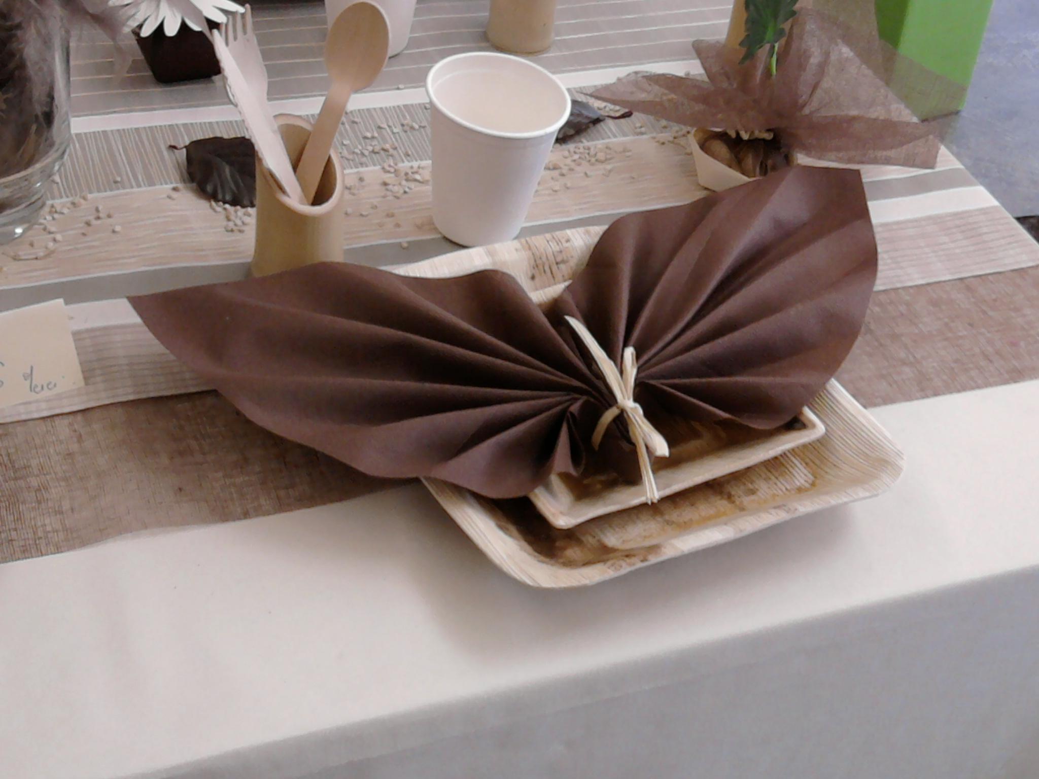 pliage de serviette mariage fashion designs. Black Bedroom Furniture Sets. Home Design Ideas
